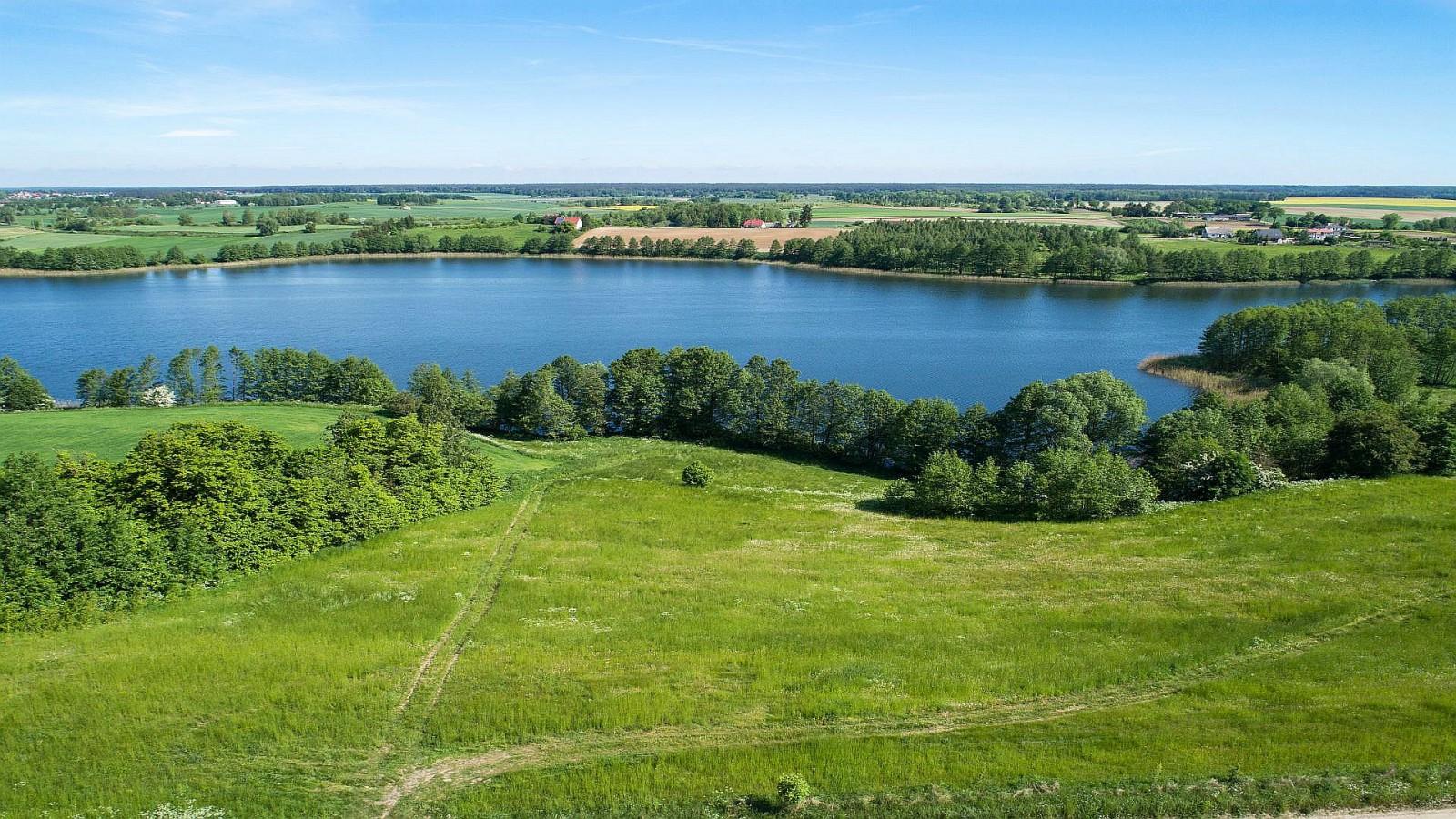 Settlement by the Gryźliny Lake